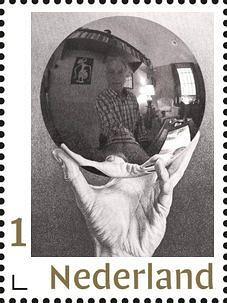Bolspiegel in Eschers hand vormt basis voor zelfportret